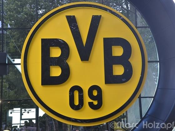 BVB Logo an der BVB Fanwelt