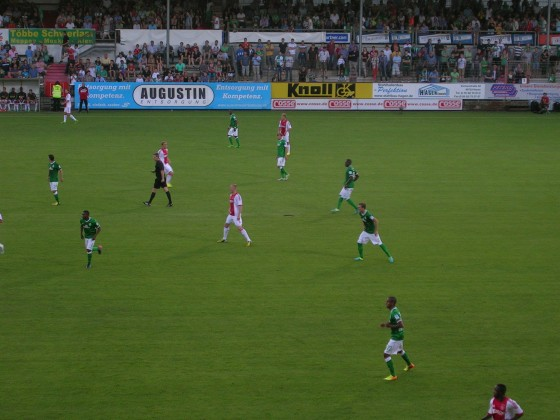 Werder Bremen gegen Ajax Amsterdam / Stadion Meppen