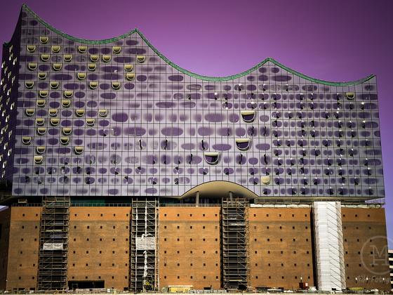 Die Elbphilharmonie (Konzerthaus) in Hamburg (Hafen City)