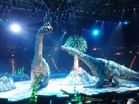 Dinosaurier im Reich der Giganten 8