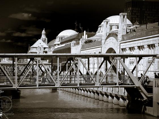 Landungsbrücke in Hamburg
