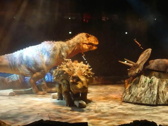 Dinosaurier im Reich der Giganten4