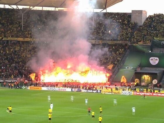 Pyros der BVB Fans im Pokalfinale 2015